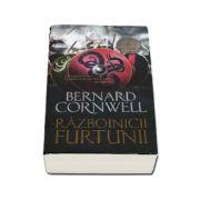 Razboinicii furtunii - Al noualea roman din seria Ultimul Regat - Bernard Cornwell